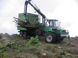 Metsaväljaveotraktorile paigaldatud Pezzolato hakkur
